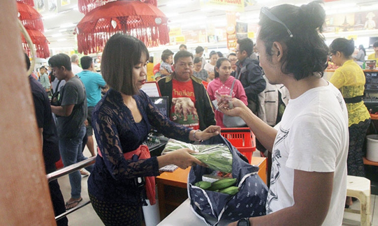 Anti-plastic advocates call for details on plastic excise plan