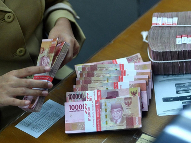 House budget committee revises rupiah exchange rate assumption